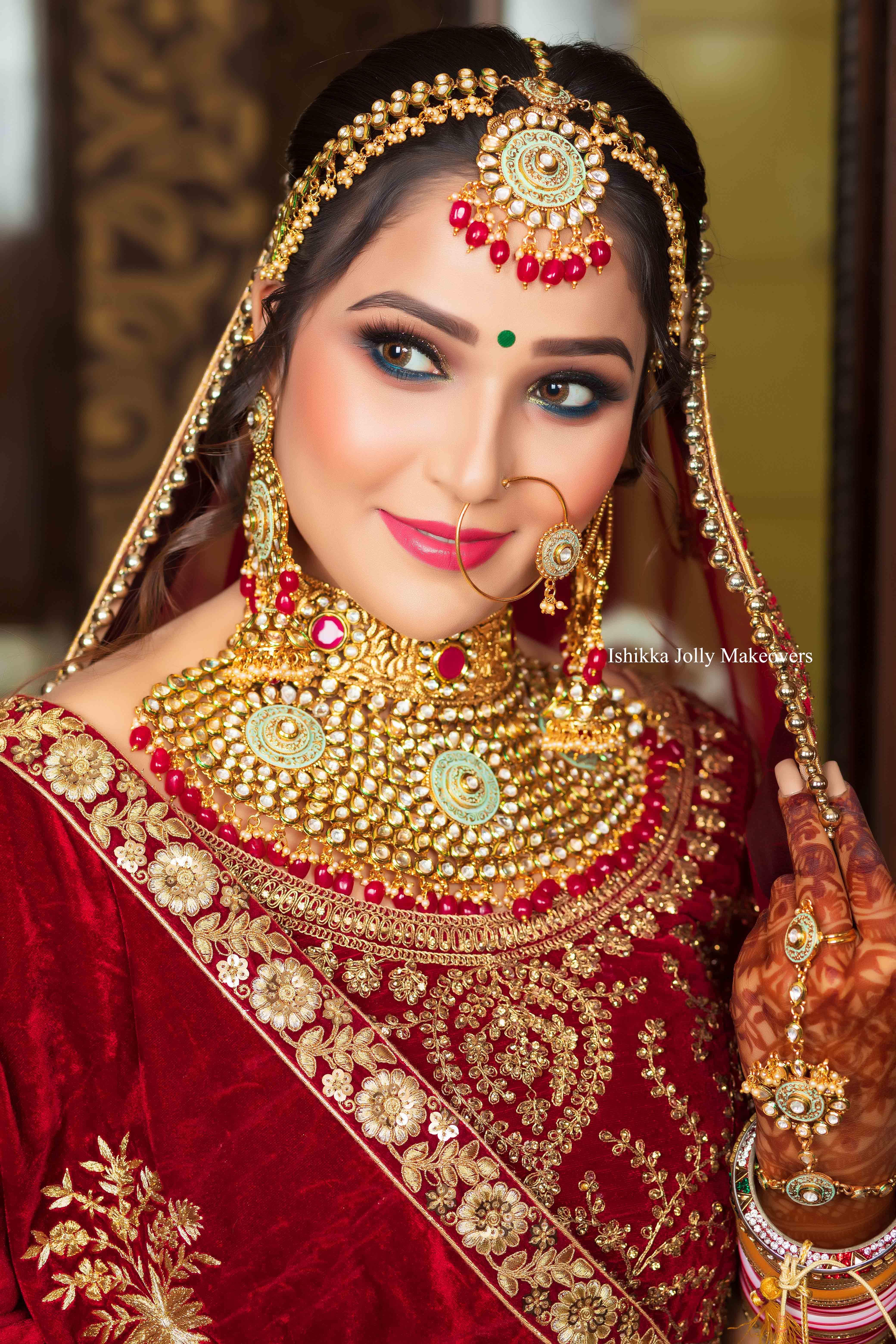 Find The Best Freelance Makeup Artist In Delhi For Bridal Makeup?
